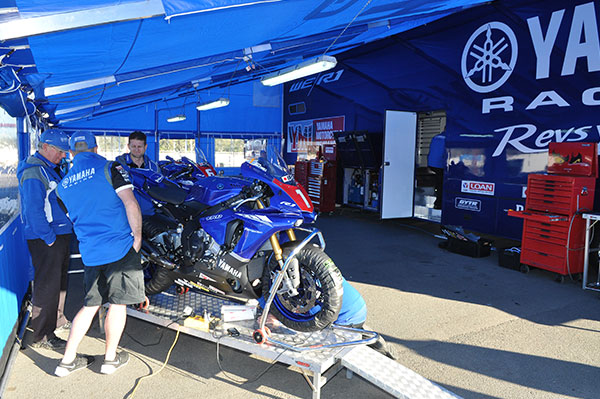 Yamaha -Racing -Team ,-Superbikes ,-MAN,-Trailer ,-ATN11