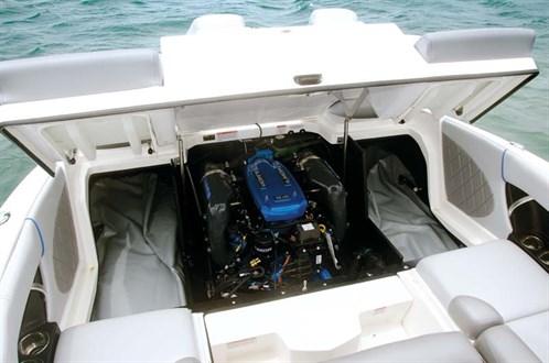 Ilmor V8 marine engine