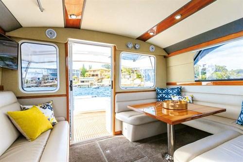 Caribbean 420 Express interior