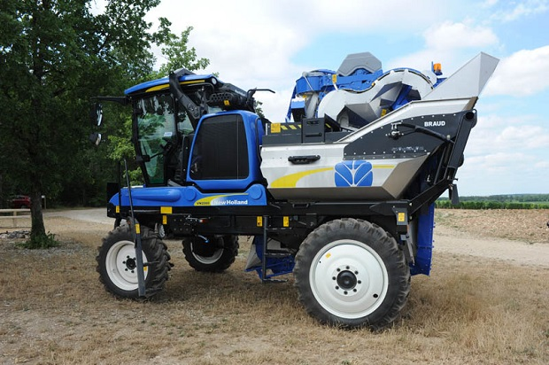 New Holland VN2080 Grape Harvester