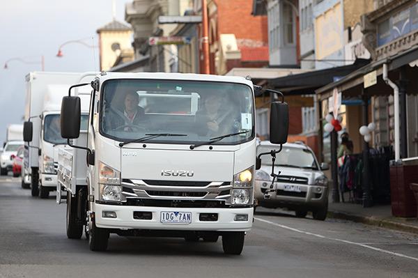 Isuzu NPR 65-190 truck | Review
