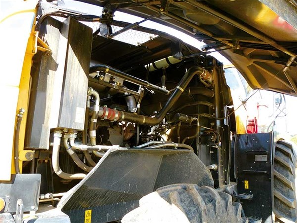 New Holland FR600 Harvester _engine Bay _FR6005