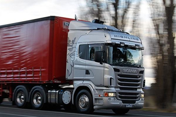 Scaniar 560highlinetruckreviewatn 8_600x 400[1]