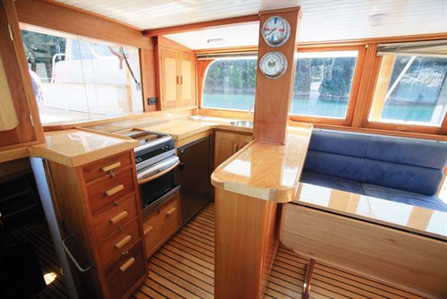 Clem Masters Bridgedeck Cruiser interior