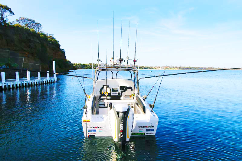Reelax outriggers on Haines V19R project boat