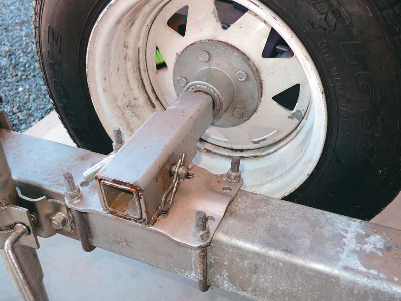 Hub and wheel bearing assembly on boat trailer