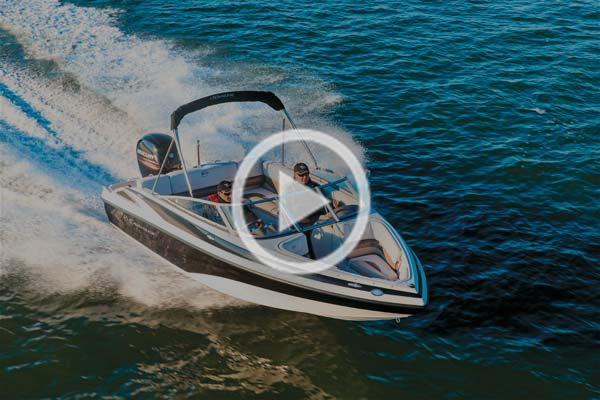 Crownline 19XS outboard luxury bowrider