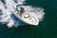 Robalo Cayman 206