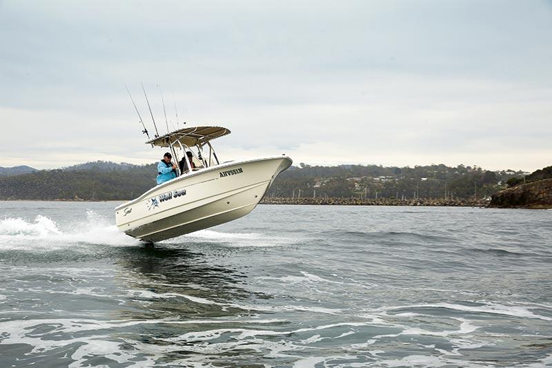 Scout 195 Sportfish centre console fishing boat