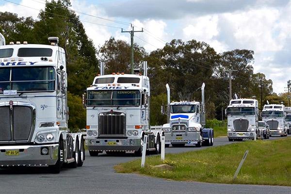 Riverina -Truck -Show -and -Kids -Convoy ,-Mack -Super -Liner ,-TT2