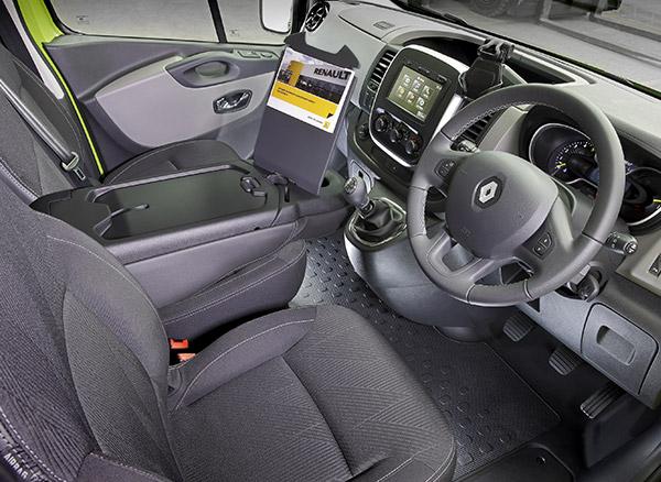 Renault ,-Trafic ,-Matt -Wood ,-van ,-review3