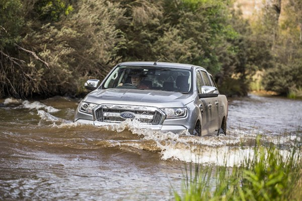 Ute Shoot Out -Ford Ranger _wading