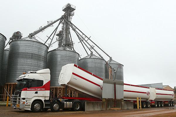 Scania ,-R730,-truck -review ,-V8,-TT9