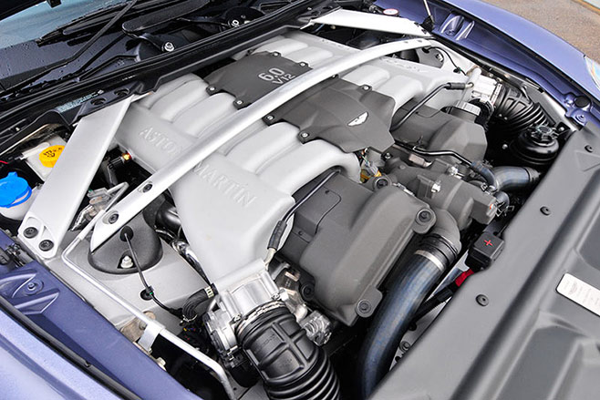 Aston -Martin -rapide -engine