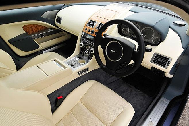 Aston -Martin -rapide -interior -front