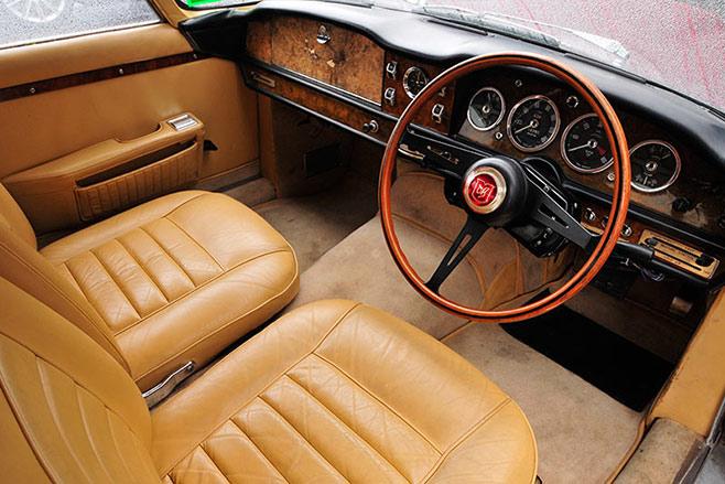 Lagonda -rapide -interior -front
