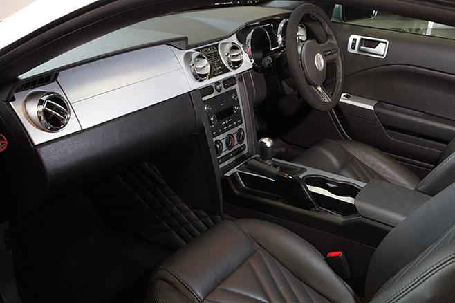 Iacocca -Mustang -11-interior
