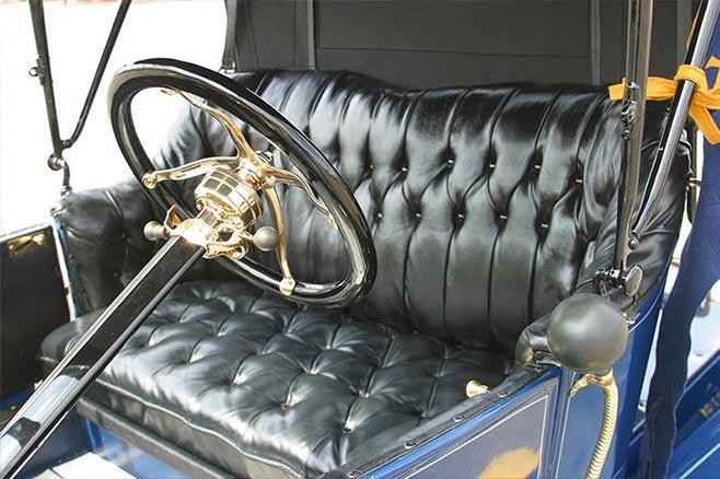 Ford -Model -T-interior -658
