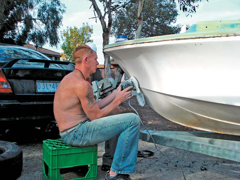 Sanding a fibreglass boat hull