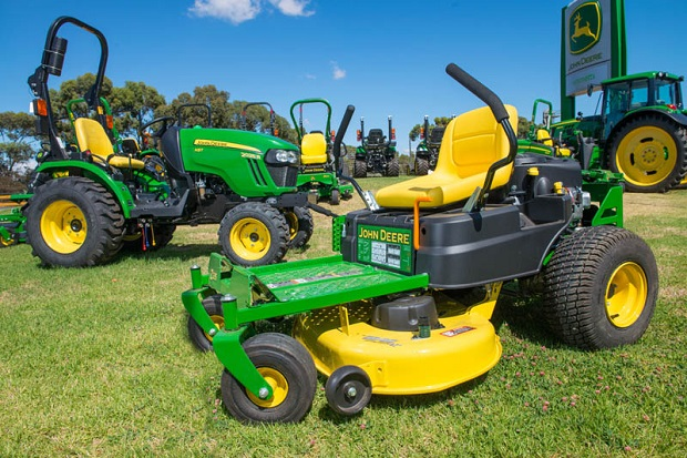 Emmetts John Deere Mowers