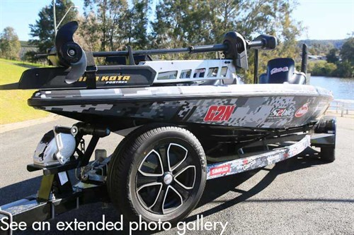 Phoenix 721 ProXP bass boat photo gallery