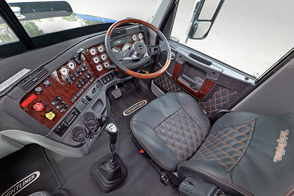 Freightliner ,-review ,-tradetrucks ,-Harley -Davidson ,-TT7