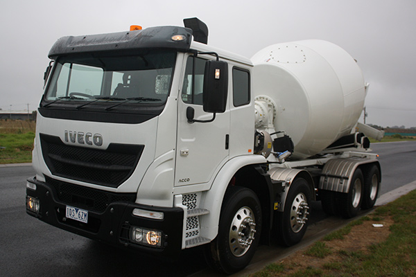 Iveco -Acco ,-Review ,-8x 4,-TT2