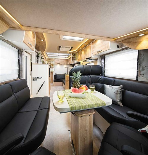 Although It Is Not Large The I840 Lounge Edition Kitchen Bigger Than Most Seen In European RVs Has A Full Oven With Separate Grill And An Extractor