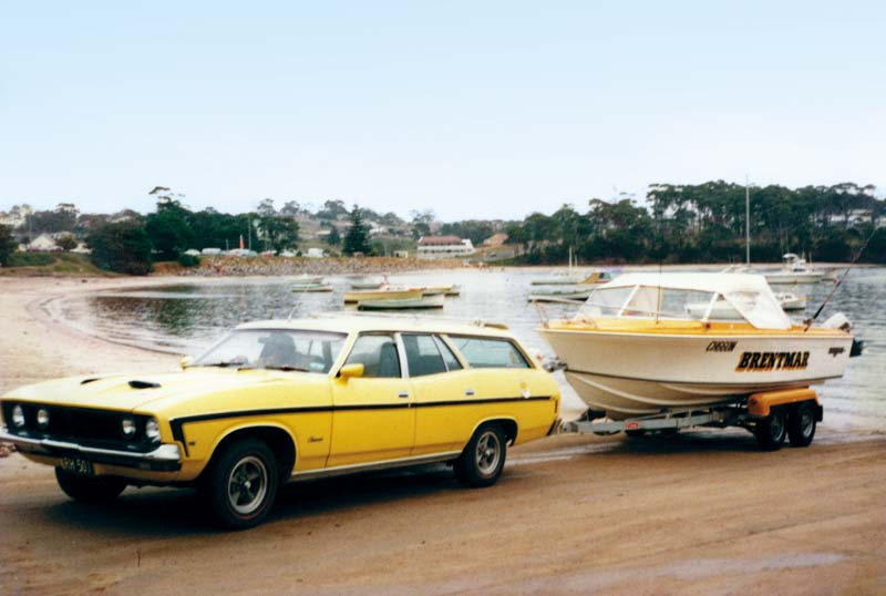 Original 1976 Haines V19R being towed