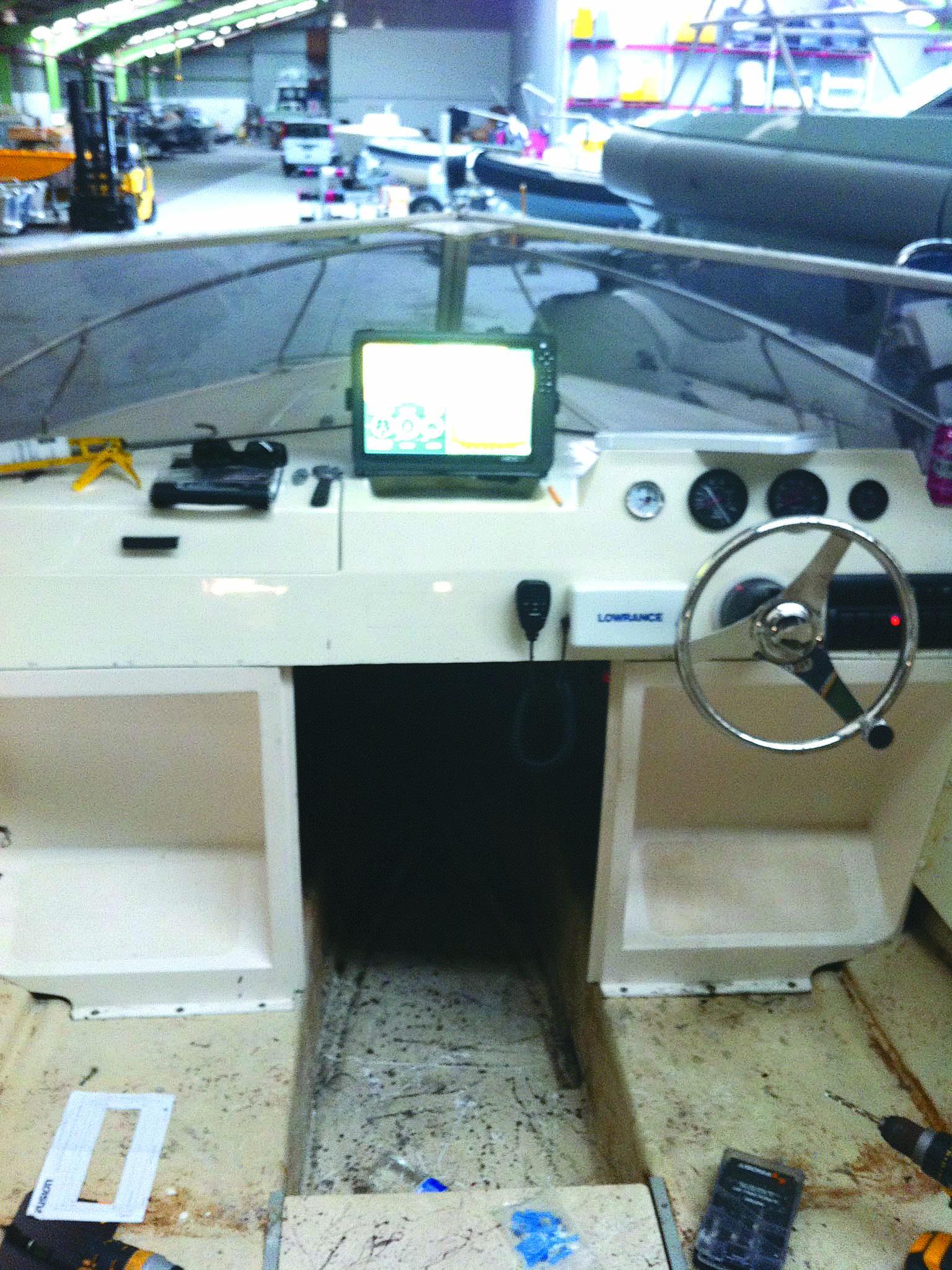 Cabin during 1976 Haines V19R boat restoration