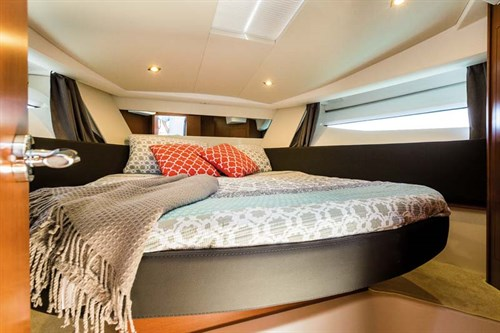 Master bedroom in Jeanneau NC boat