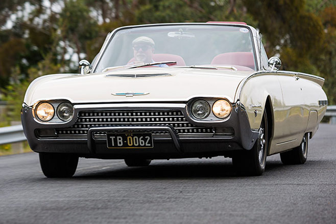 Ford -Thunderbird -658-1