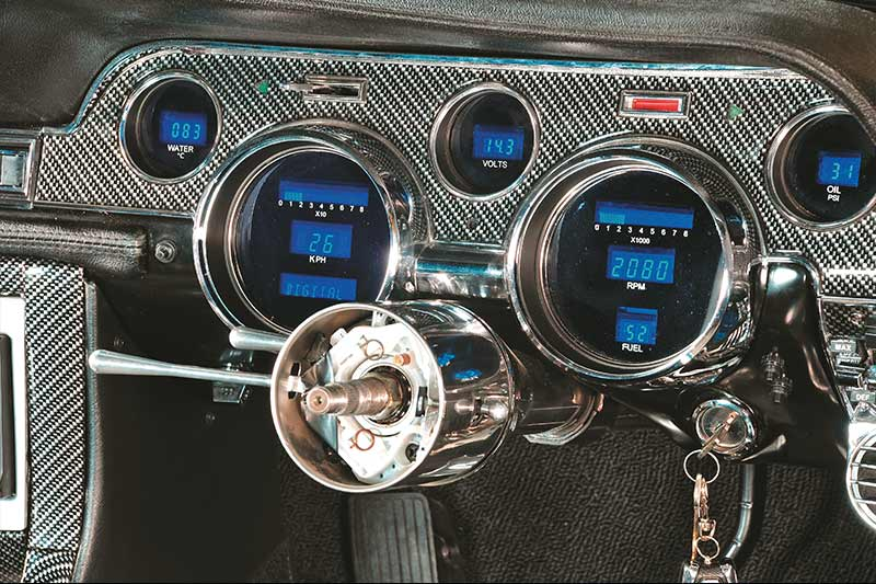 21-Digital -dash -classic -cars -modern -look