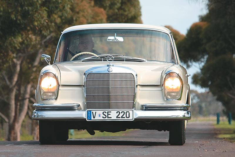 Mercedes -Benz -tailfin -1-front