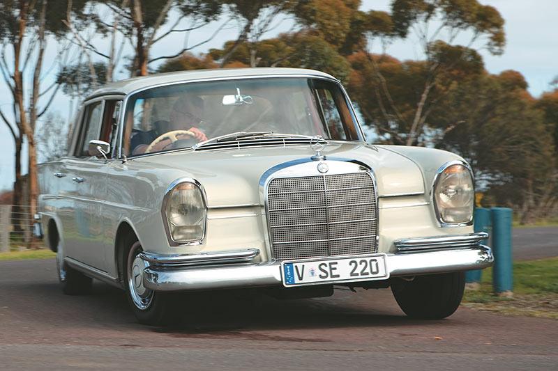 Mercedes -Benz -tailfin -front
