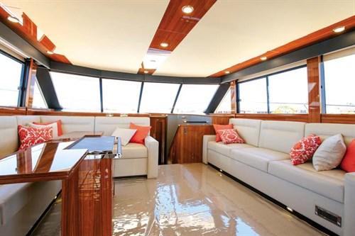 Maritimo M65 main lounge