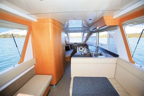Caraboat 7500 interior