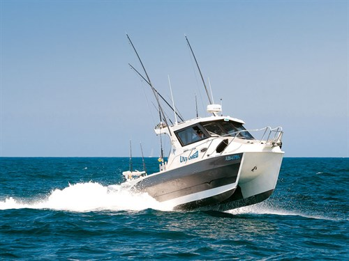 Sailfish 2800 Platinum on the water