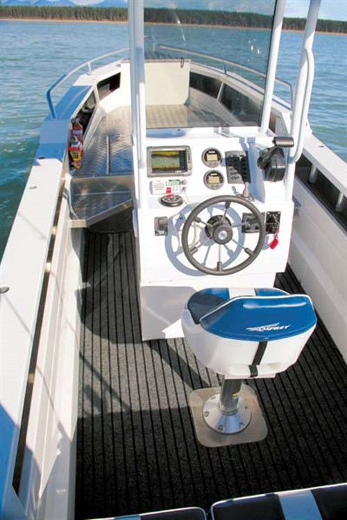 Helm on Osprey 600 Centre Console