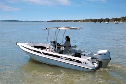 Seaforce 530 Skipa fibreglass pontoon style fishing boat