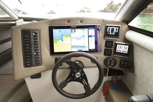 Simrad marine electronics on Image boat