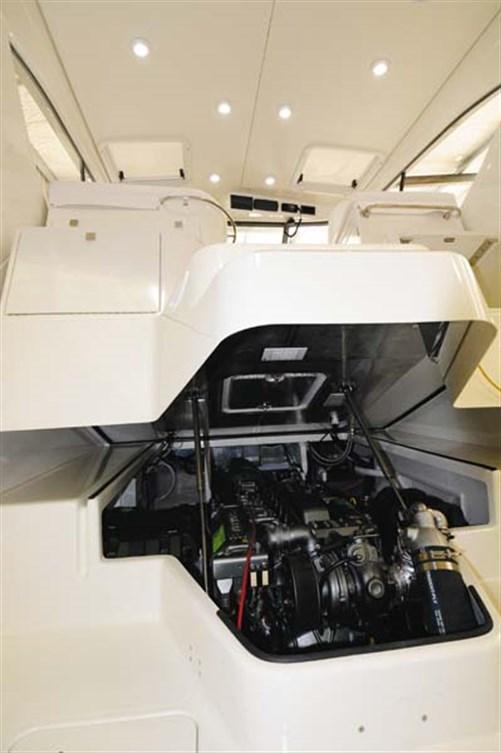 Yanmar 6LPA marine diesel engine