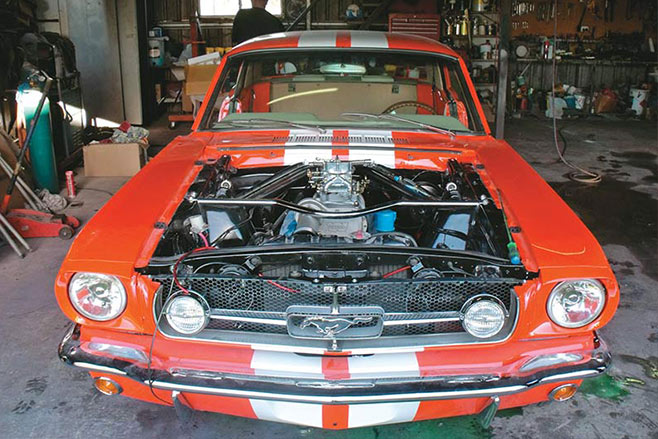 Ford -mustang -resto -engine -bay