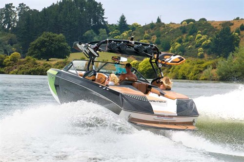 Nautique G23 wakeboat
