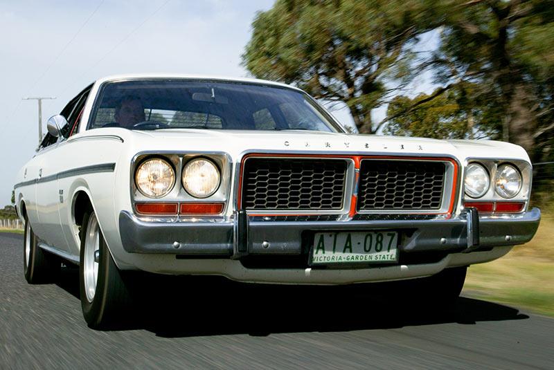 Chrysler -cm -valiant -4