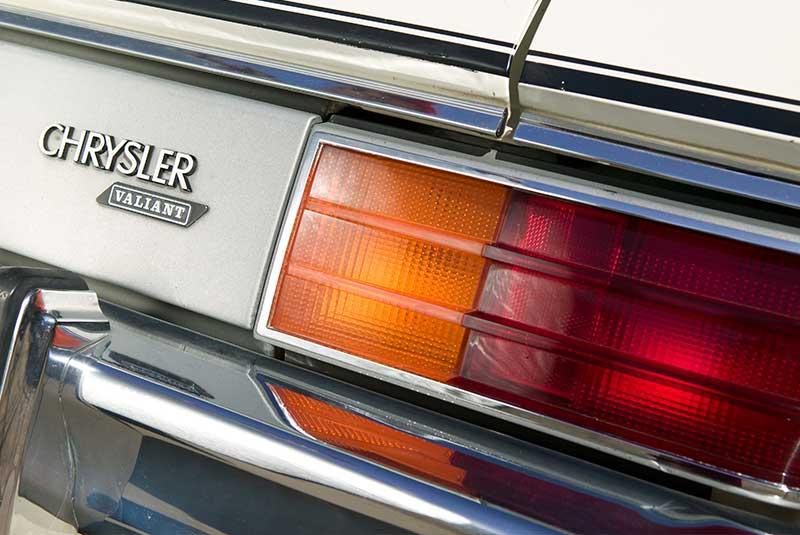Chrysler -cm -valiant -18