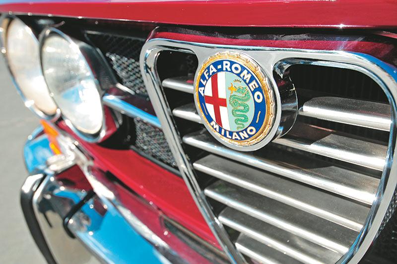Alfa -Romeo -1750-105-grille