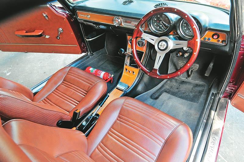 Alfa -Romeo -1750-interior