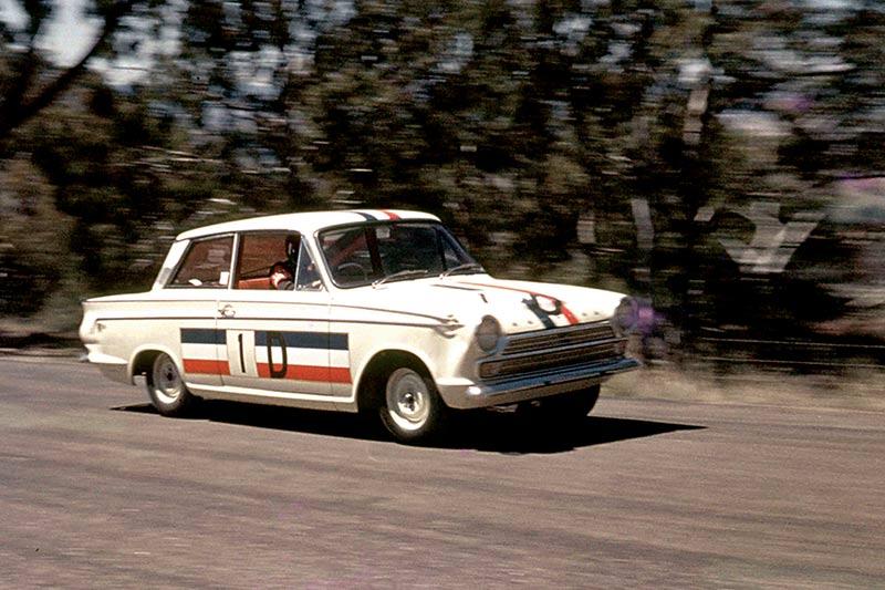 GT-Cortina -racing -2