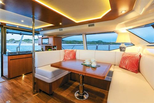 Aquila 44 power cat living space
